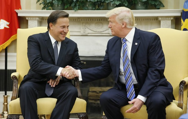 ▲▼與台灣斷交後,巴拿馬總統瓦雷拉(Juan Carlos Varela)19日訪美,與美國總統川普會面。(圖/路透社)