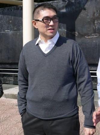 前國民黨立委謝國樑,與他的模特兒妻子國中薇結婚3年喜獲千金。(翻攝謝國樑臉書)