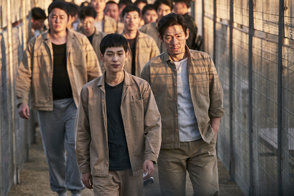 電影《不汗黨:地下秩序》劇照。(圖/車庫娛樂提供)
