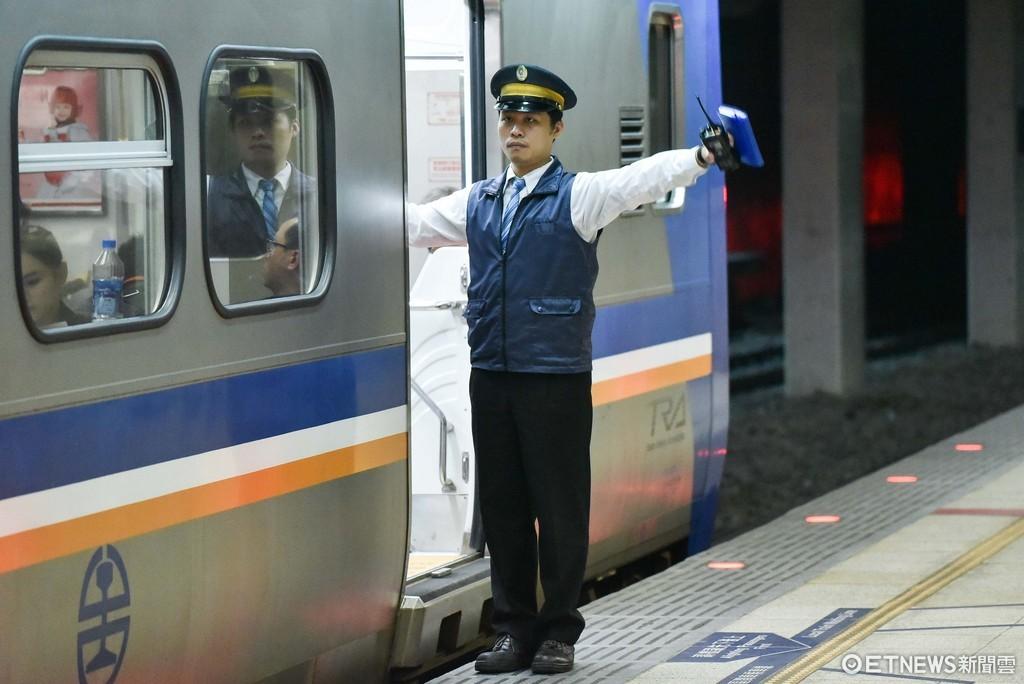 台鐵,台鐵司機,站務人員,勞工,一例一休,輪班制,變形工時。(圖/記者李毓康攝)