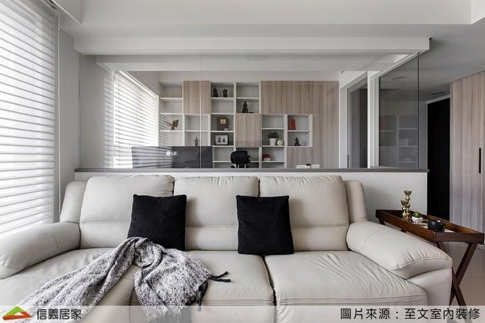 ▲從同樣視角看過去,清淨明亮的書房、客廳使人身心舒暢。(圖/信義居家提供))