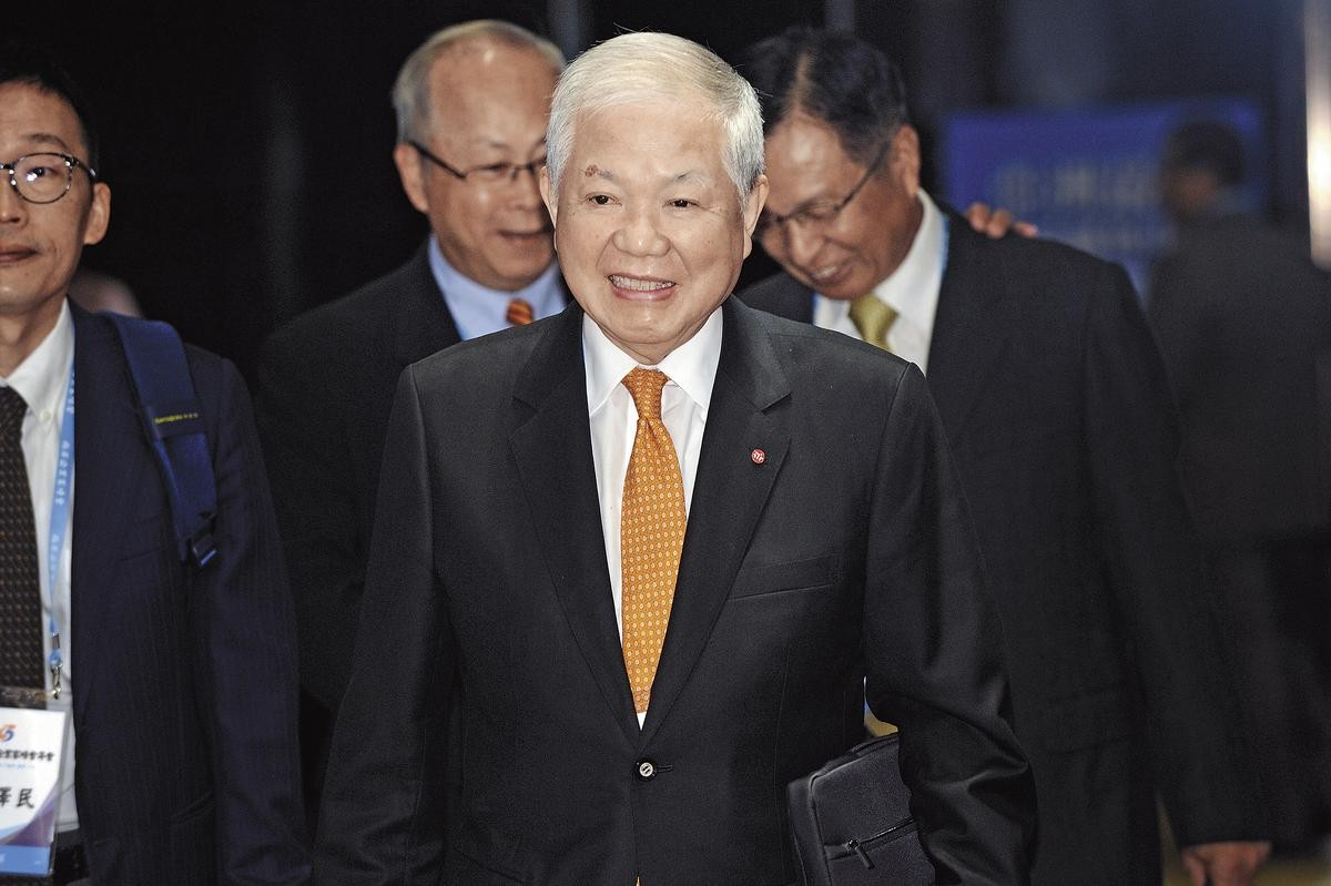 【掏空永豐金】何壽川認識三寶建設老闆 原來是他牽線