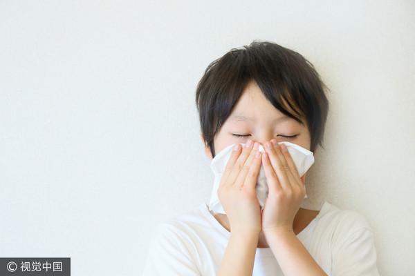 發燒,小孩,感冒,量體溫,吃藥,看醫師,問診,咳嗽,過敏,鼻涕,鼻水,氣喘,口罩小孩,口罩,小兒科,流感,洗手,腸病毒。(圖/視覺中國)