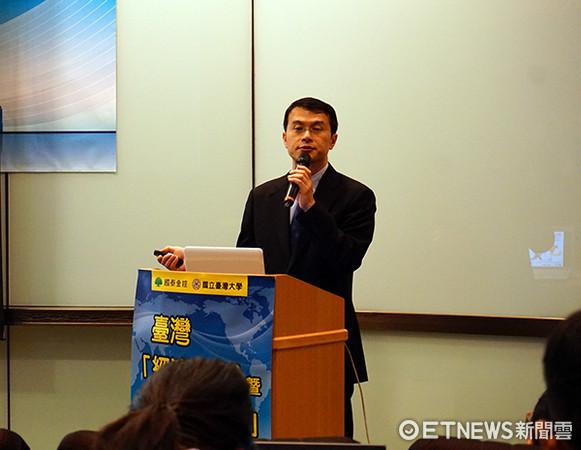 中央大學經濟系教授徐之強。(圖/記者官仲凱攝)