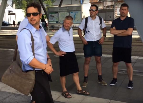 ▲▼男性被公司至只穿短裙,憤而穿短裙上班。(圖/翻攝自YouTube/Presse Océan)