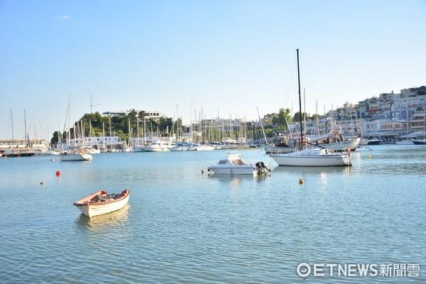 ▲希臘雅典小漁港Mikrolimano,4 brothers restaurant。(圖/記者李姿儀攝)