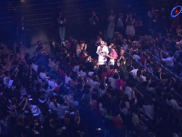 第28屆流行音樂金曲獎頒獎典禮串場Lulu和阿達。(圖/翻攝自YouTube)