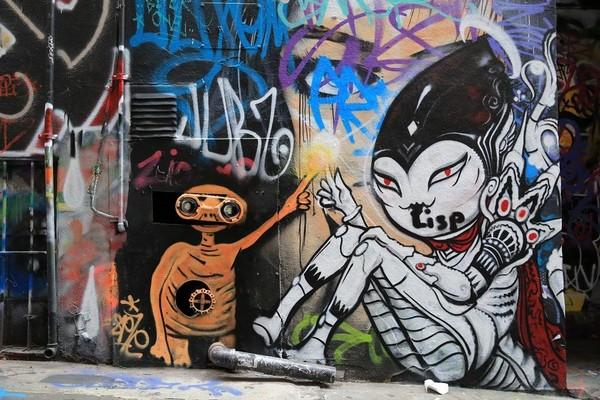 外星人也在塗鴉中當主角。