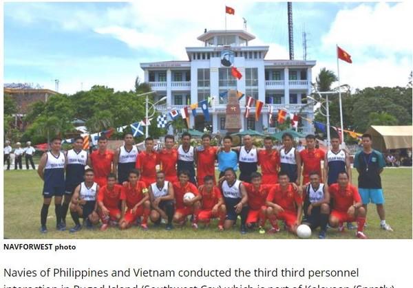▲▼越南與菲律賓海軍月22日在南沙南子島(Southwest Cay)一同舉辦「聯歡運動會」           。(圖/翻攝自《update.ph》)