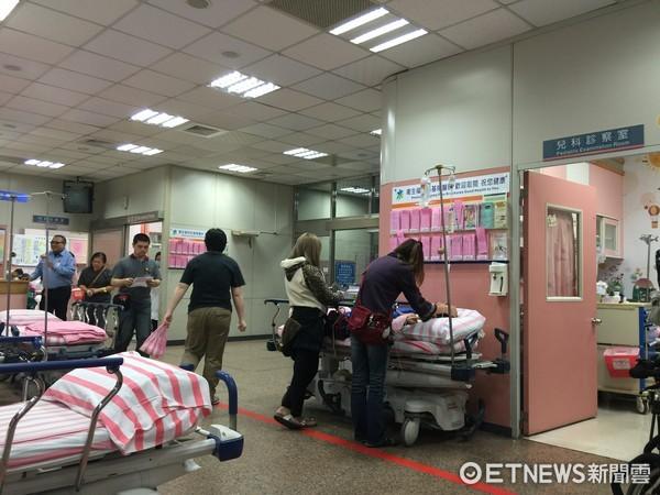 醫院,急診室,看診,病床(圖/記者徐文彬攝)