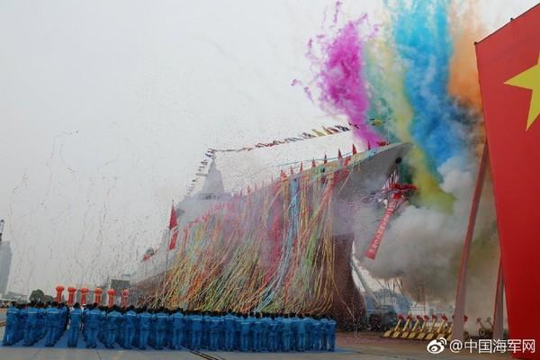 ▲▼中國055型驅逐艦28日下水。(圖/翻攝自中國海軍網微博)