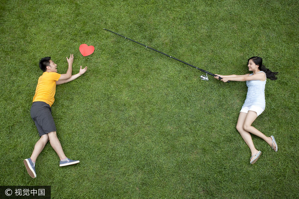 ▲聊是非用圖,男女,兩性,戀愛,追求,求愛。(圖/視覺中國CFP提供)