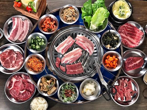 「鐵箱」當烤具又潮又吸睛!台北3家特色燒烤店IG爆紅