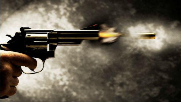 向兒子示範「手槍很危險別碰」 結果不小心把女兒爆頭