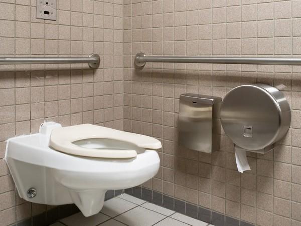 公廁、衛生紙、馬桶、廁所。(圖/達志影像/示意圖)