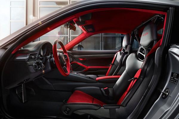 700匹+輕量化 最強保時捷道路版911來了!(圖/翻攝自Porsche)