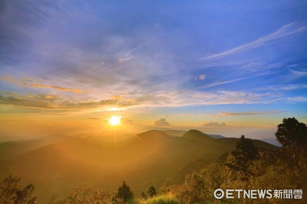 ▲▼ 太平山國家森林遊樂區望洋山步道日出。(圖/羅東林管處提供)