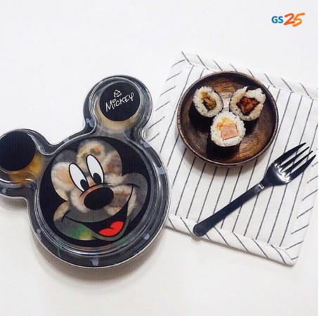 ▲南韓超商嚕嚕米牛奶、米奇壽司(圖/翻攝自gs25_official IG)