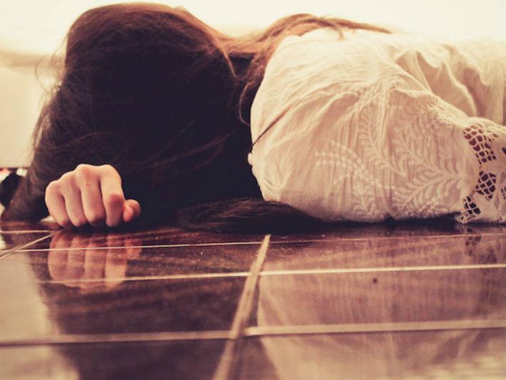 婚紗後患巧克力囊腫,男狠甩9年未婚妻…「不能生」並非毀婚真相(圖/翻攝自網路)