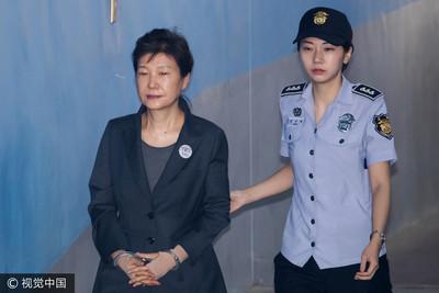 朴槿惠及李在鎔迎閨密門終審判決