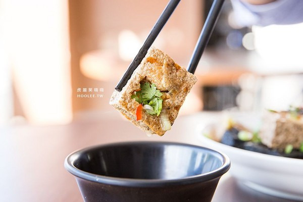 黑白兩道 海鮮粥 脆皮豆腐。(圖/虎麗笑嗨嗨)
