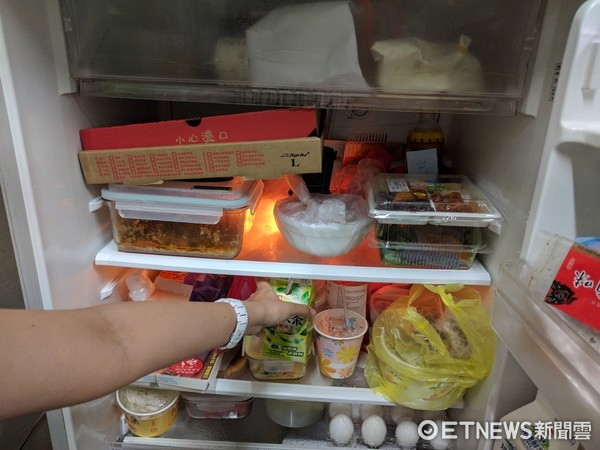 冰箱、飲料、綠茶、偷喝、小偷、宿舍冰箱(圖/記者黃君瀚攝)