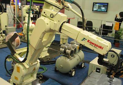 ▲日本川崎公司生產的工業機器人。(圖/翻攝自新浪網)