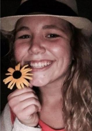 ▲▼撞死18歲少女 法官判肇事司機隨身帶死者照「永遠不能忘」。(圖/翻攝網路)