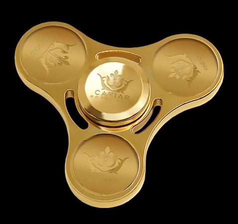 ▲純金打造指尖螺,要價50萬元。(圖翻攝Caviar官網)