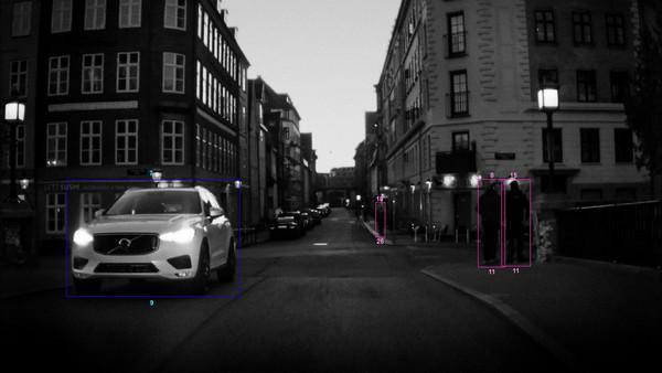 汽車看見的世界長怎樣?3屆普立茲攝影獎得主拍給你看。(圖/翻攝自Volvo)