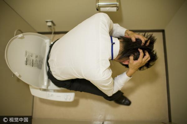 ▲大便,廁所,便秘,煩惱,馬桶,上大號示意圖。(圖/CFP)