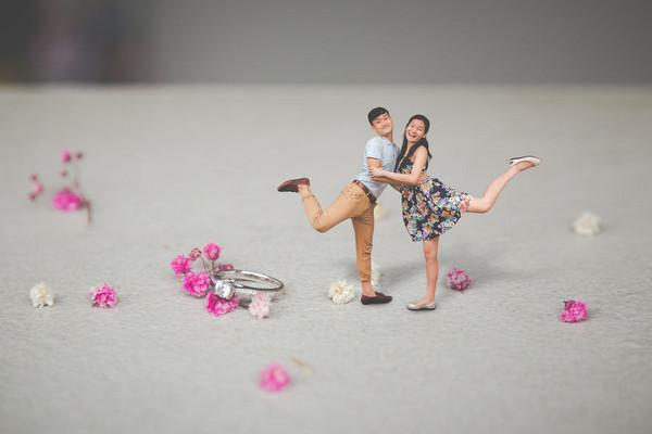 童話拇指姑娘婚前照(圖/翻攝自Boredpanda)
