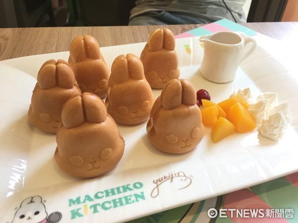 ▲主題餐廳內ㄇㄚˊ幾兔造型「幾」蛋糕。(圖/記者張舒芸攝)