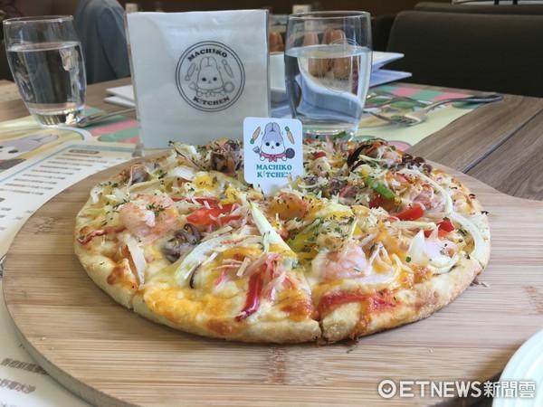 ▲也是店內人氣之一的手工餅皮pizza。(圖/記者張舒芸攝)