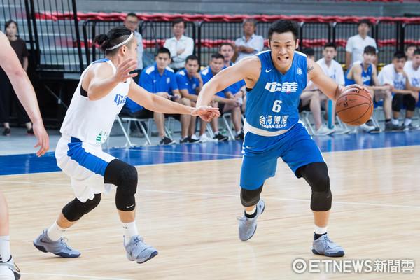 ▲▼瓊斯盃中華男籃 藍、白隊熱身測試賽,周儀翔。(圖/記者季相儒攝)