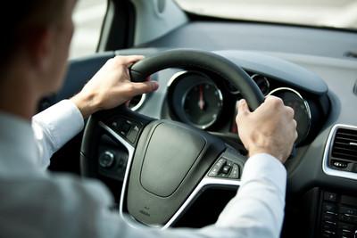 強制車險電子化 驗車用手機可出示保險證
