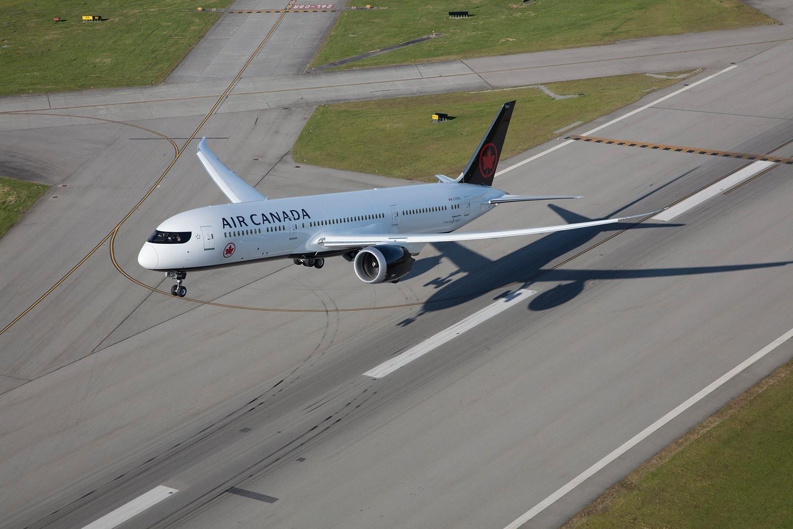 加拿大航空客機。(圖/翻攝加拿大航空臉書粉專)