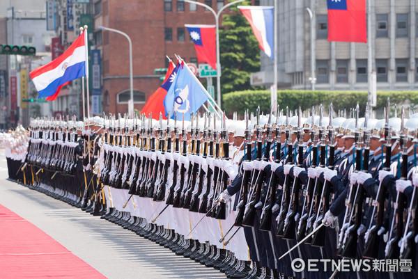 ▲▼巴拉圭總統訪台,蔡英文軍禮迎接巴拉圭總統卡提斯,三軍儀隊。(圖/記者季相儒攝)