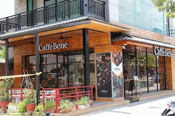Caffebene海安藝文門市。(圖/愛比妞)