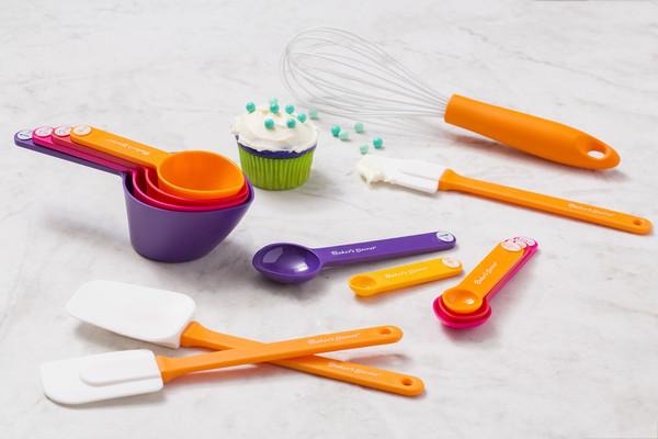 ▲Barker's Secret兒童專用烘焙用具在台上市。(圖/康寧提供)