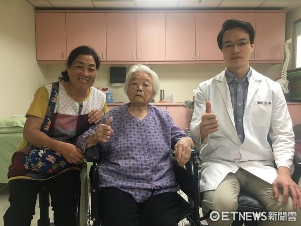 ▲媳婦相當感謝王醫師的細心與關心,表示南投醫院真是值得信任的地方。(圖/衛生福利部南投醫院提供)