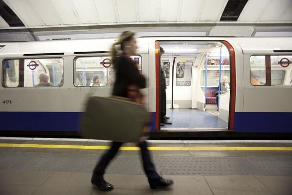 ▲▼倫敦地鐵將撤換「女士先生們」以確保多元化落實。(圖/達志影像/美聯社)