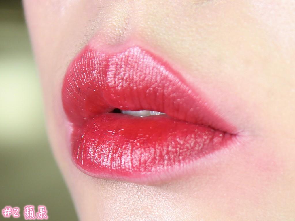 ▲SKINFOOD唇露。(圖/豆子鴨的美妝實驗室)