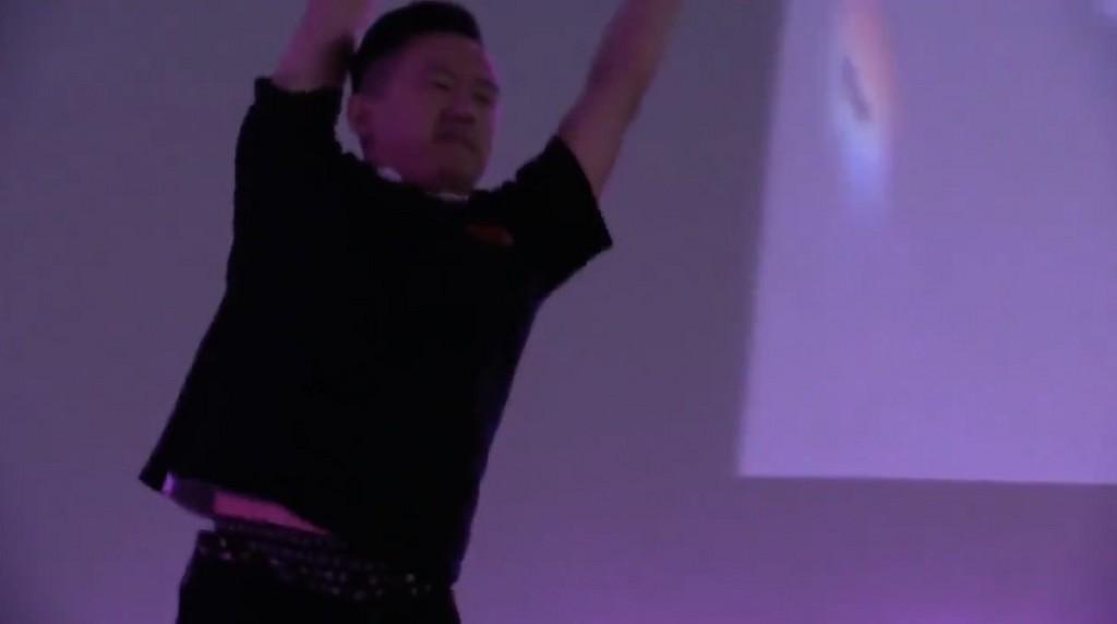 氣走中國!台灣選手「E.T.」勇奪EVO《KOF 14》冠軍(圖/翻攝 Twitch/Street Fighter V)