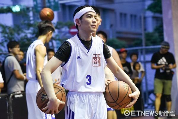 ▲▼蕭敬騰林書豪籃球對決。(圖/記者李毓康攝)