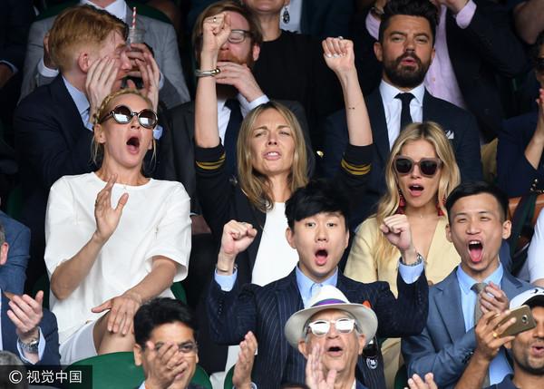 溫布頓網球錦標賽男單,林俊傑、烏瑪舒曼(Uma Thurman)、多姆納爾格利森(Domhnall Gleeson)。(圖/CFP)