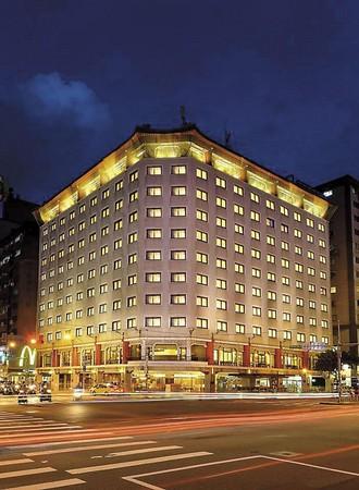 六福客棧是六福集團旗下第一間飯店,莊豐如認為,現在的硬體和經營模式都是45年前的規模,裝潢和形態需更年輕化。(翻攝自六福客棧臉書)