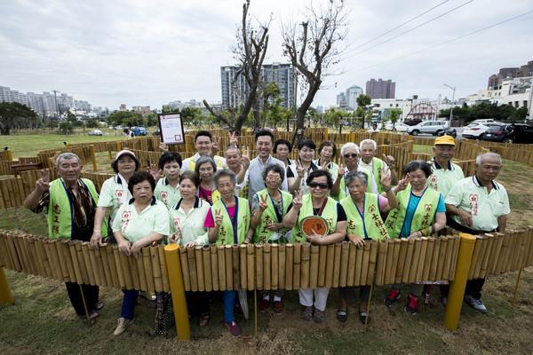 ▲士林社區打造「竹編迷宮」,提升環境景觀,過去閒置地搖身變為社區居民公共空間。