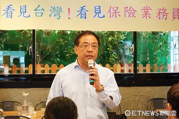 南山人壽企業工會理事長、中華民國保險業務聯合總工會發起人代表嚴慶龍。(圖/記者官仲凱攝)