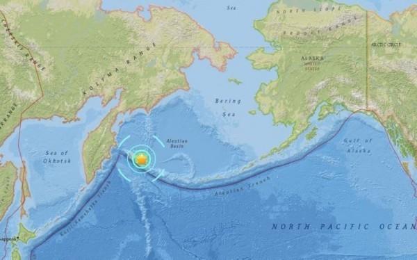 ▲ 俄國堪察加半島外海在台灣時間18日上午7時3分左右發生芮氏規模7.8強震,地震深度僅2公里。(圖/翻攝自美國地質調查所 )